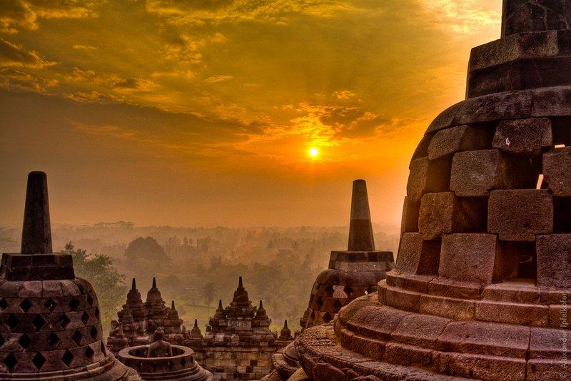 Borobudur Tour And Travel Reviews